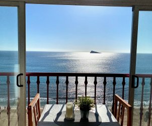 Apartamento   Benidorm para 2 personas con piscina comunitaria y vista mar p0