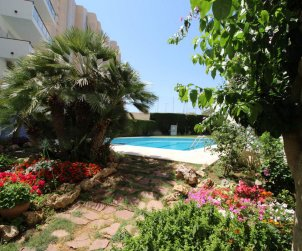 Apartamento   L'Escala para 4 personas con piscina comunitaria y vista mar p0