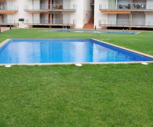 Apartamento   Rosas para 6 personas con piscina comunitaria y aere acondicionado p1