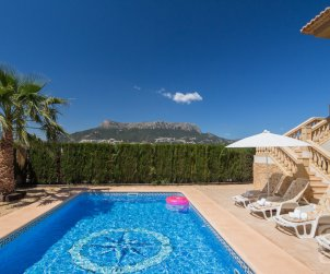 Villa   Calpe para 6 personas con piscina privada, aere acondicionado y internet p0