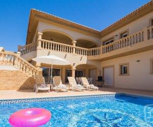 Villa   Calpe para 6 personas con piscina privada, aere acondicionado y internet p1