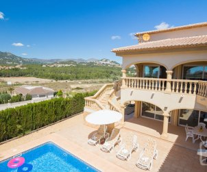 Villa   Calpe para 6 personas con piscina privada, aere acondicionado y internet p2