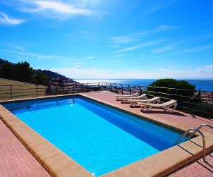 Apartamento   Rosas para 6 personas con piscina comunitaria p0