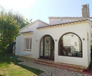 Villa   Empuriabrava para 4 personas con aire acondicionado p0
