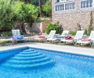 Villa   Lloret del Mar para 8 personas con piscina privada p2