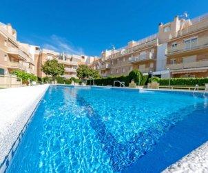 Apartamento   Cunit para 5 personas con piscina comunitaria p1