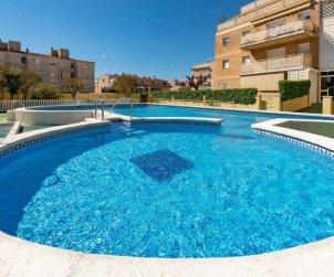 Apartamento   Cunit para 5 personas con piscina comunitaria p2