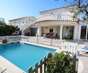 Villa   Cambrils para 8 personas con piscina privada p0