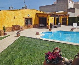 Villa   L'Ampolla para 6 personas con piscina privada p1