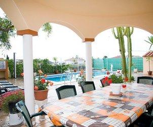 Villa   Alcanar para 9 personas con piscina privada p2