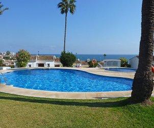 Villa   Mijas para 4 personas con piscina comunitaria p0