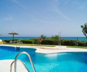 Villa   Mijas para 8 personas con piscina comunitaria p1