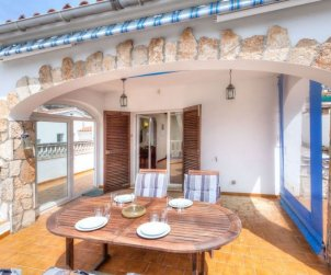 Villa   L'Escala para 4 personas con piscina privada p1