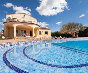 Villa   Ametlla de Mar para 11 personas con piscina privada p0