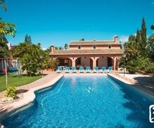 Villa   Benissa para 11 personas con piscina privada y internet p0