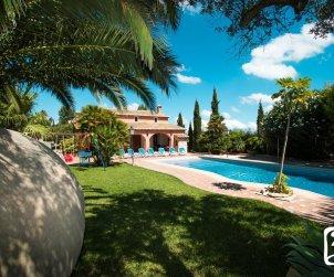 Villa   Benissa para 11 personas con piscina privada y internet p1