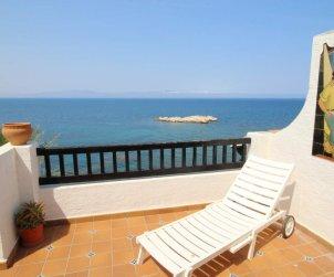 Apartamento   L'Escala para 6 personas con piscina comunitaria y vista mar p2