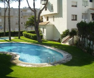 Apartamento   en L'Escala para 4 personas con piscina comunitaria y aere acondicionado p0