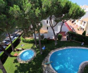 Apartamento   en L'Escala para 4 personas con piscina comunitaria y aere acondicionado p1
