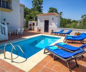 Villa   La Axarquía - Almogía para 6 personas con piscina privada p1