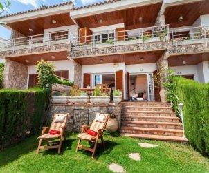 Villa   Tossa de Mar para 7 personas con piscina comunitaria p1