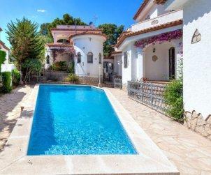 Villa   Miami Platja para 6 personas con piscina comunitaria p1