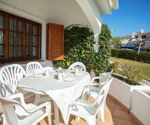 Villa   Alcoceber para 6 personas con piscina comunitaria p2