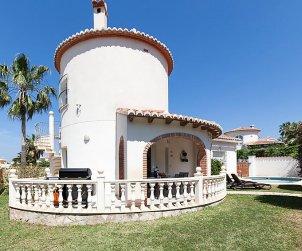 Villa   Denia para 4 personas con piscina privada p2