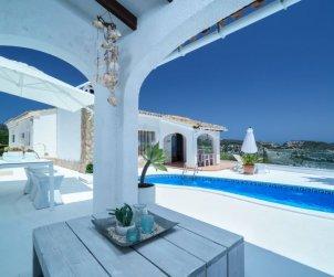 Villa   Moraira para 4 personas con piscina privada p0