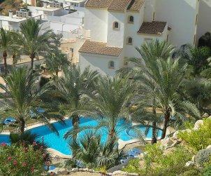 Apartamento   Altea para 6 personas con piscina comunitaria p1