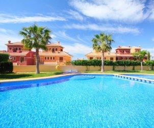 Villa   Benidorm para 6 personas con piscina comunitaria p0