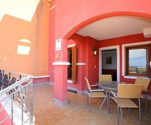 Villa   Benidorm para 6 personas con piscina comunitaria p2