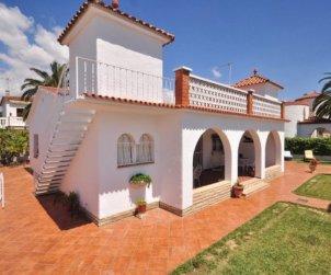 Villa   Cambrils para 8 personas con aparcamiento en la propiedad p0