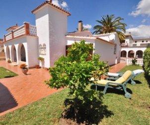 Villa   Cambrils para 8 personas con aparcamiento en la propiedad p1
