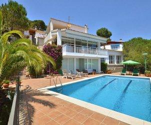 Villa   Lloret del Mar para 6 personas con piscina privada p0