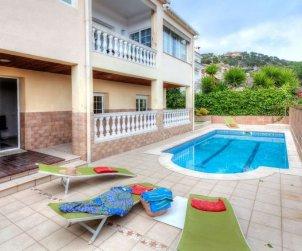 Villa   Lloret del Mar para 14 personas con piscina privada p2