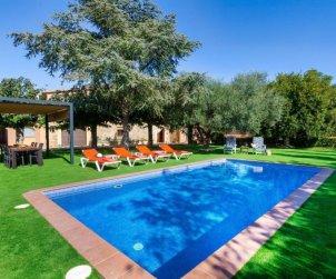 Villa   Pals para 8 personas con piscina privada p0