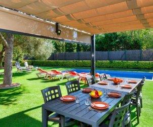 Villa   Pals para 8 personas con piscina privada p1