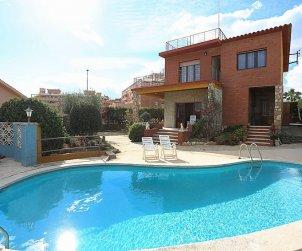 Villa   Torredembarra para 8 personas con piscina privada p0