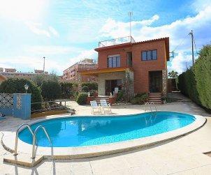 Villa   Torredembarra para 8 personas con piscina privada p1