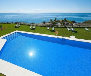 Apartamento   Torrox Costa para 4 personas con piscina privada p1