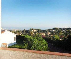 Villa   Denia para 4 personas con piscina comunitaria p0