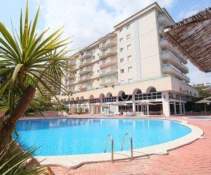 Apartamento   Blanes para 6 personas con piscina comunitaria p1