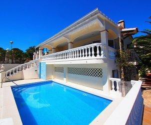 Villa   Rosas para 10 personas con piscina privada p1