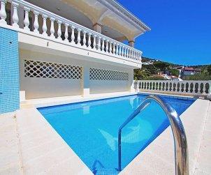 Villa   Rosas para 10 personas con piscina privada p2