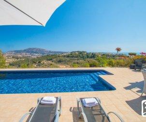 Villa   Benissa para 6 personas con piscina privada, vista mar y aere acondicionado p0