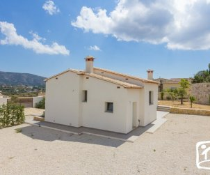 Villa   Moraira para 6 personas con piscina privada, internet y aere acondicionado p0