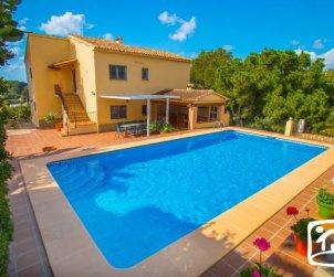 Villa   Benissa para 12 personas con piscina privada y wifi p2