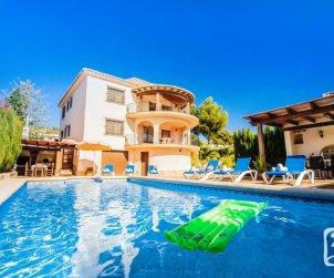 Villa   Benissa para 12 personas con piscina privada, vista mar y internet p0