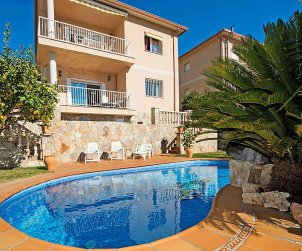 Villa   Segur de Calafell para 8 personas con piscina privada p2
